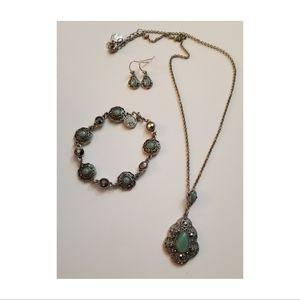 Liz Claiborne Blue & Silver Necklace, Earring Set